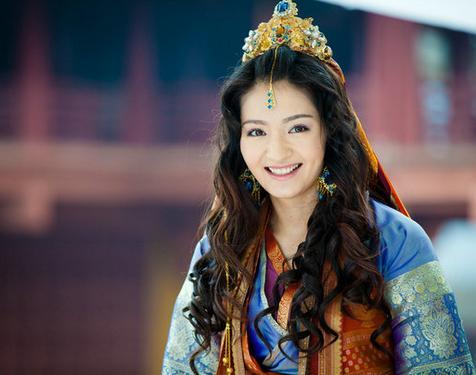 她是 新还珠格格 含香 郭敬明 幻城 出演人鱼公主造型美炸了