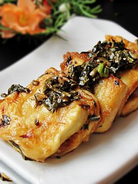 山东名菜《香椿锅塌豆腐》