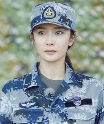 杨幂自曝声音嗲原因 她的成功角色都要靠配音